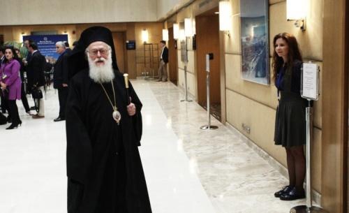 Αρχιεπίσκοπος Αλβανίας Αναστάσιος: Φοβάμαι τη συμφωνία με τα Σκόπια