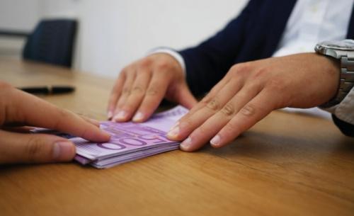 Οι τράπεζες στη μάχη κατά του κορονοϊού