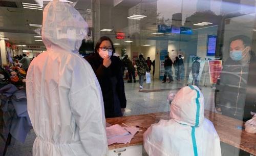 O ιός διαλύει τις γιορτές της κινέζικης πρωτοχρονιάς