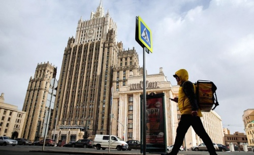 Μόσχα: Αμερικανικές δωροδοκίες και εκβιασμοί στα Σκόπια