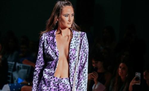 4η ημέρα AXDW: Η Εβδομάδα Μόδας μεταμορφώνει την Αθήνα σε ένα «μικρό Παρίσι»