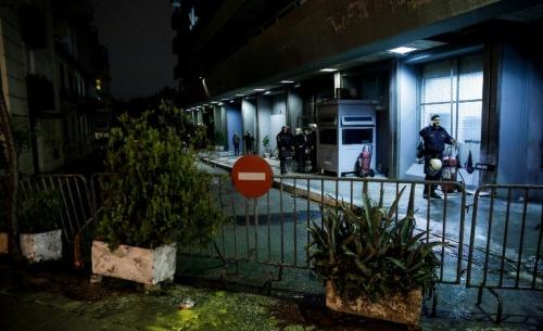 Νέα επίθεση με μολότοφ στην έδρα των ΜΑΤ στην Καισαριανή